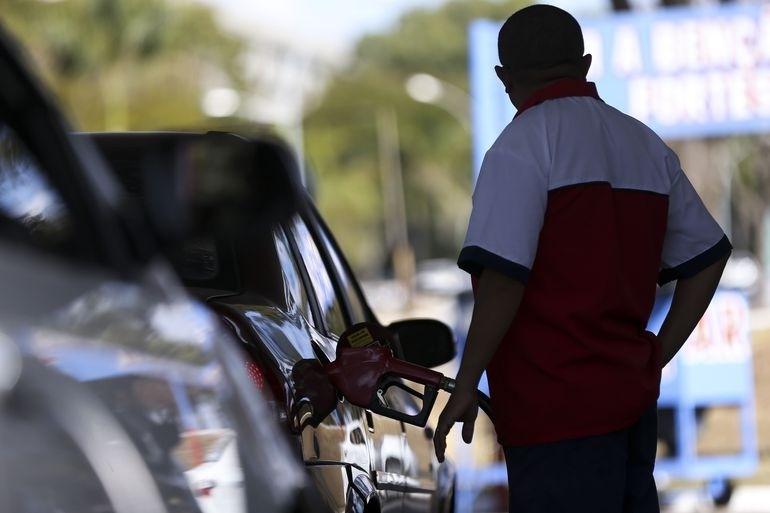 Reajustes de R$ 0,23 na gasolina e R$ 0,34 no diesel passam a valer a partir de sexta-feira | Foto: Marcelo Camargo / Agência Brasil / GR