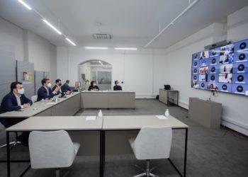 Governador Leite e secretários realizaram reunião com deputados e prefeitos por videoconferência - Foto: Felipe Dalla Valle/Palácio Piratini