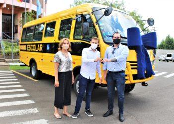 Em fevereiro, Executivo adquiriu dois novos ônibus para a frota municipal, que agora tem sete veículos. Foto: Divulgação