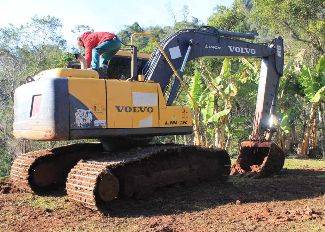 Escavadeira hidráulica. Foto: Matheus de Oliveira