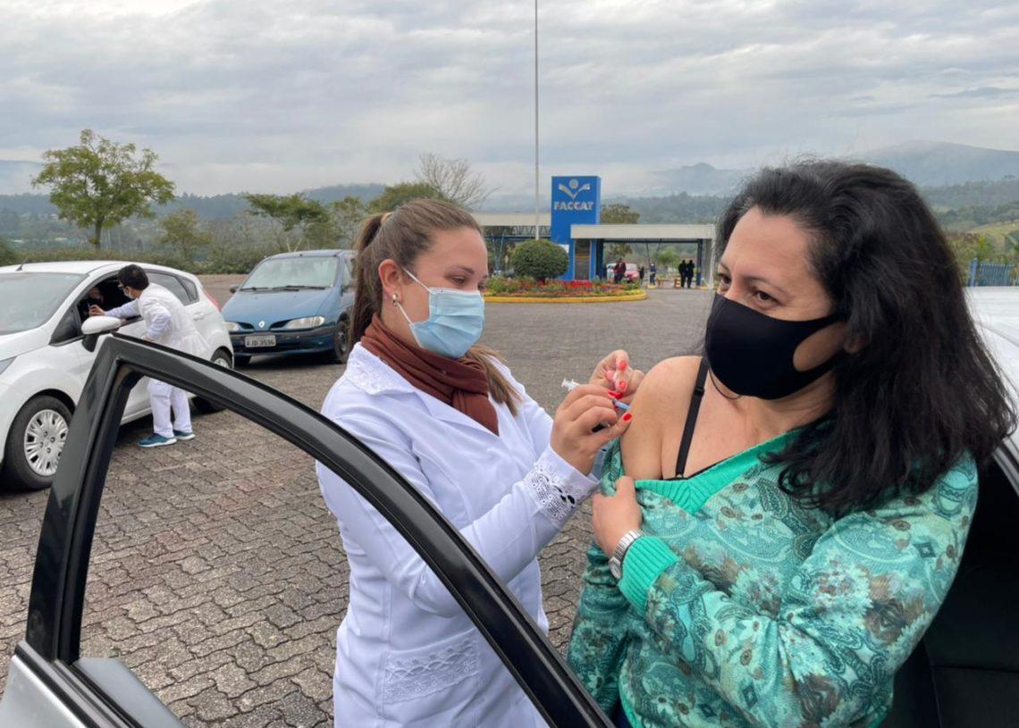 Vacinação ocorre no campus da Faccat das 12 às 19 horas. Foto: Divulgação