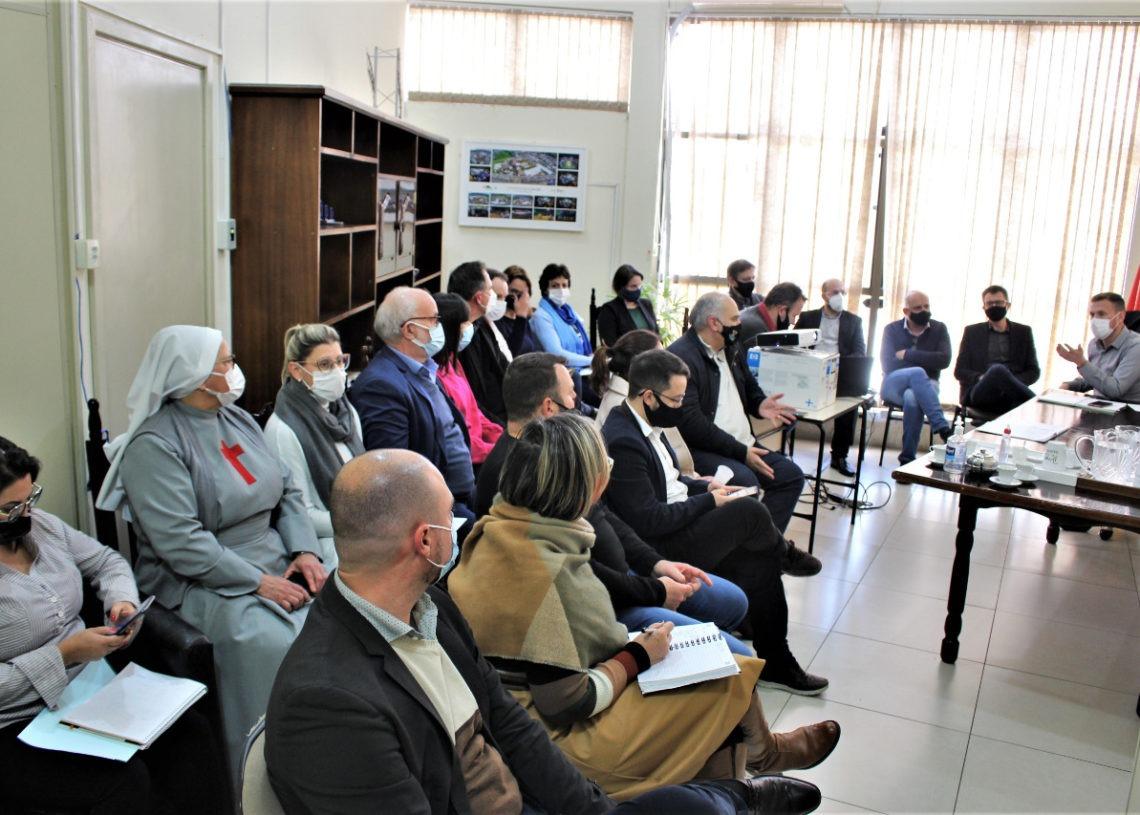 Reunião ocorreu nesta sexta-feira (Foto: Eder Zucolotto)