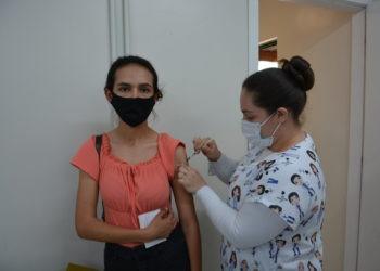 Pessoas com 17 anos ou mais podem receber a primeira dose do imunizante Foto: Ruan Nascimento/Prefeitura de Taquara