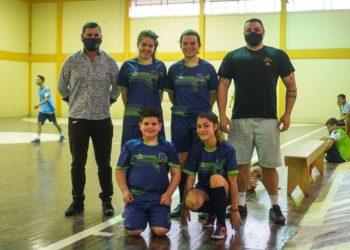 Joir visitando a escola desportiva de Riozinho Fotos: Divulgação/PMR